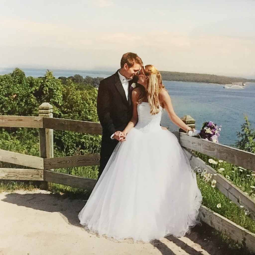 marriedonmackinac-leahtackles.jpeg